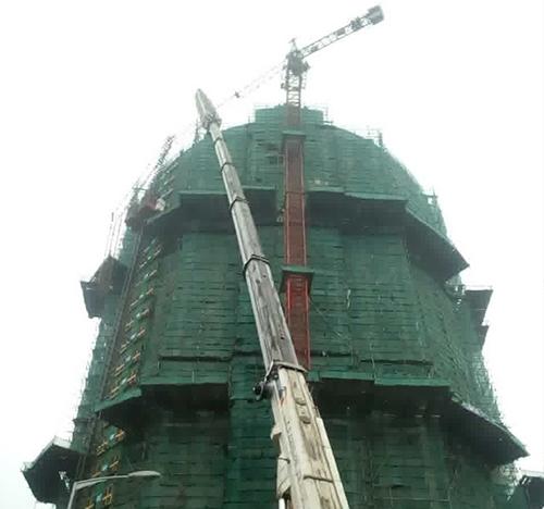 高空拆装塔机作业